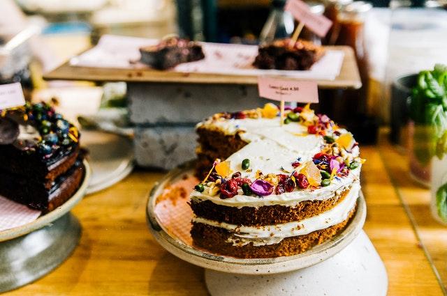 האם ניתן למכור עוגות אונליין? מסתבר שכן