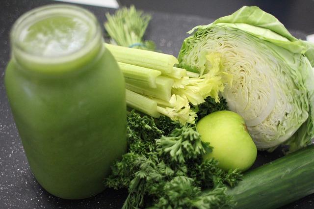 דיאטת ניקוי רעלים: המדריך המלא לדיאטה בטוחה ומועילה