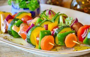 אוכלים בריא: מאכלים שיסייעו בחיזוק המפרקים, וגם כאלה שלא